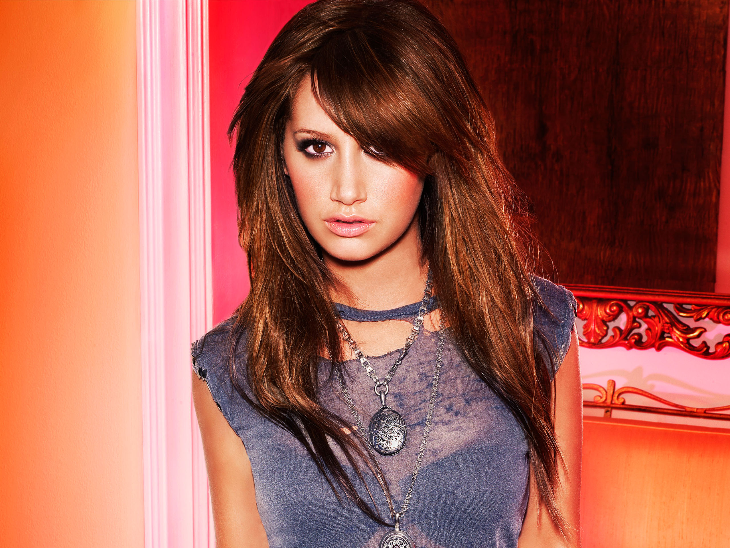 Ashley Tisdale 525 584.38 Kb