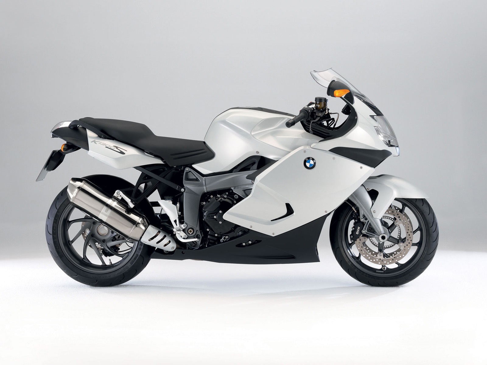 2009 BMW K1300S Motorcycles 309.39 Kb