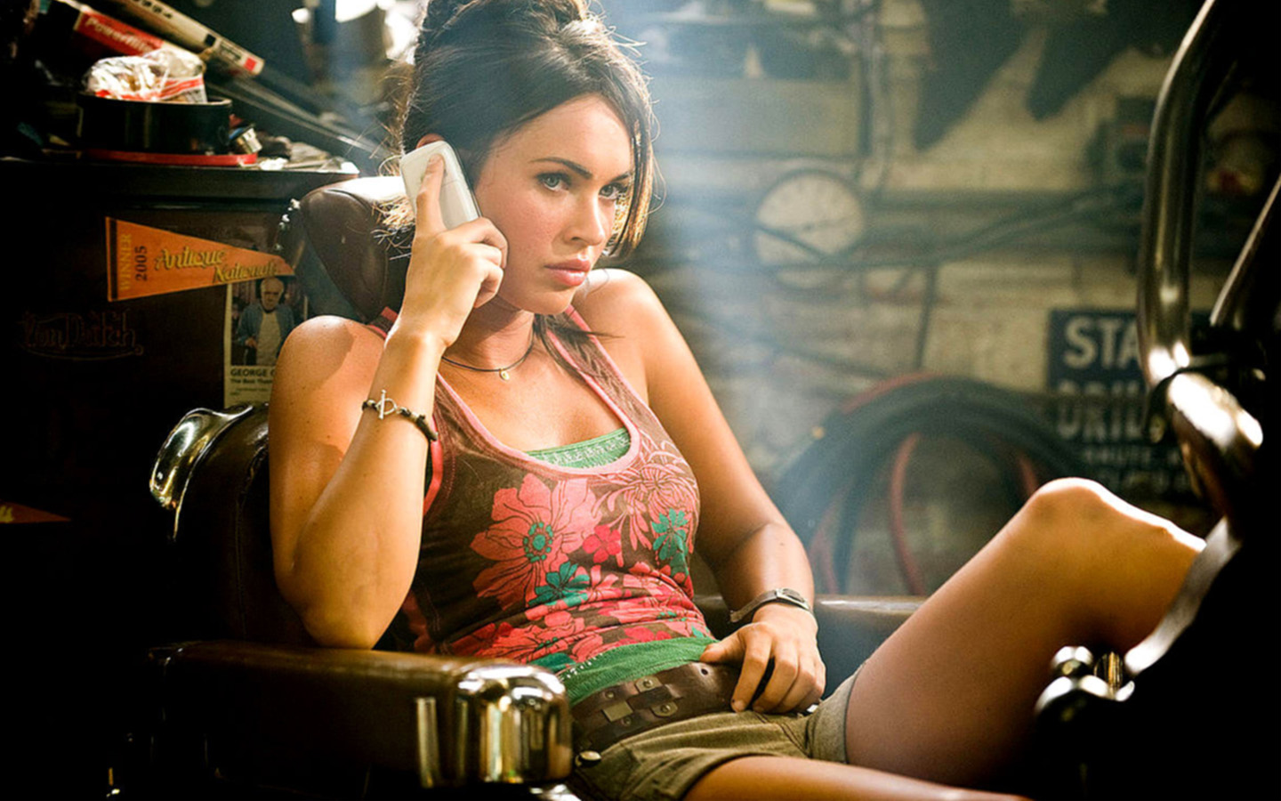 Megan Fox Exclusive Transformers 2 593.38 Kb