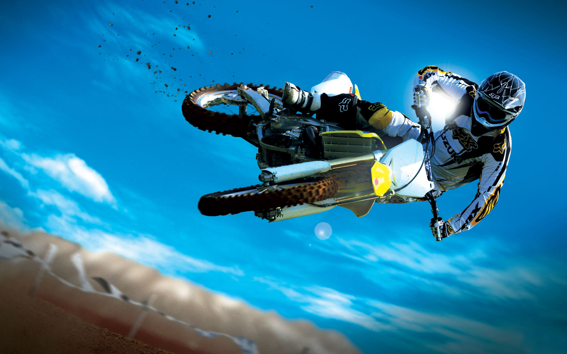 Amazing Motocross Bike Stunt 585.2 Kb
