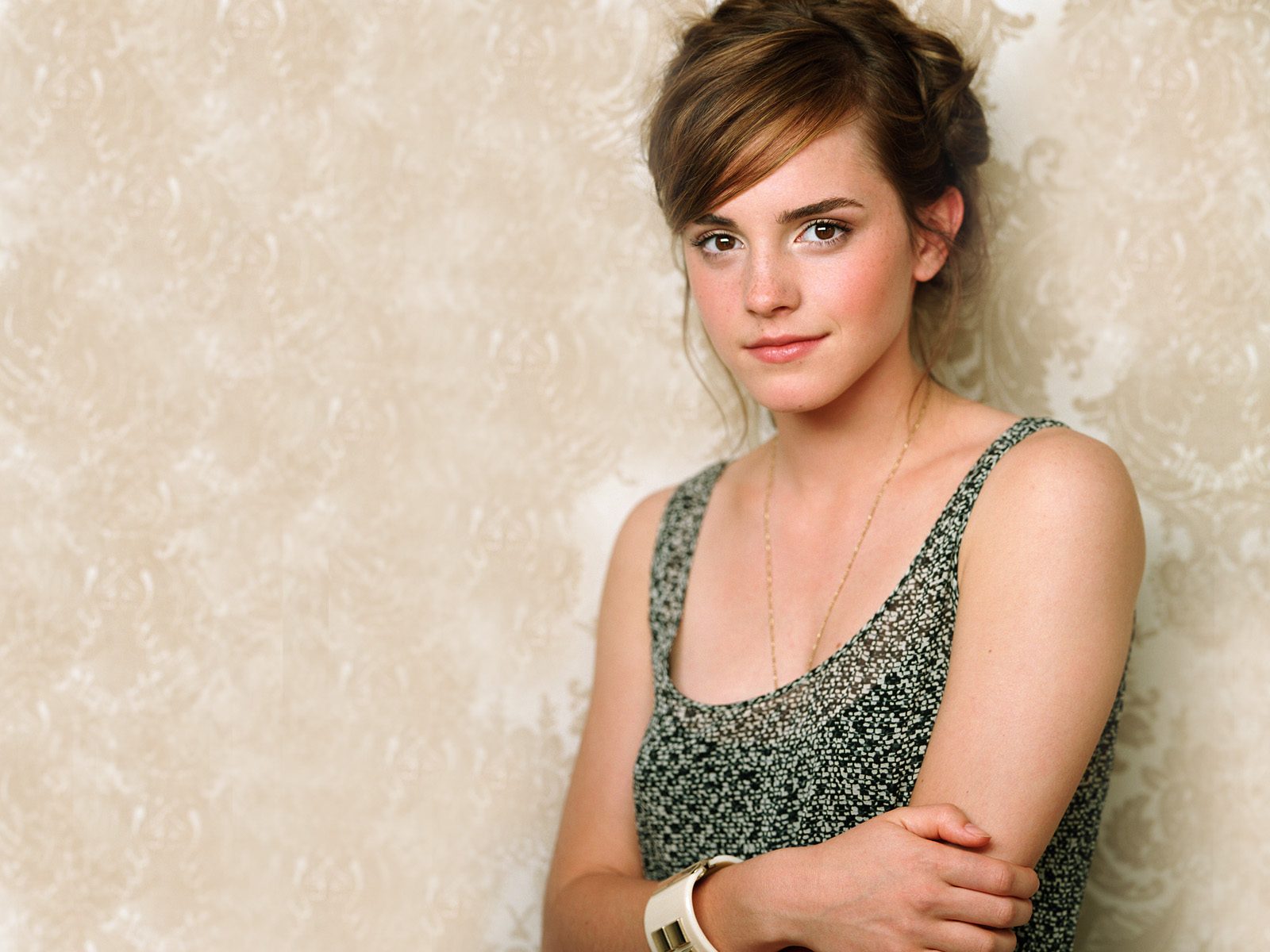 Emma Watson Latest High Quality 493.47 Kb