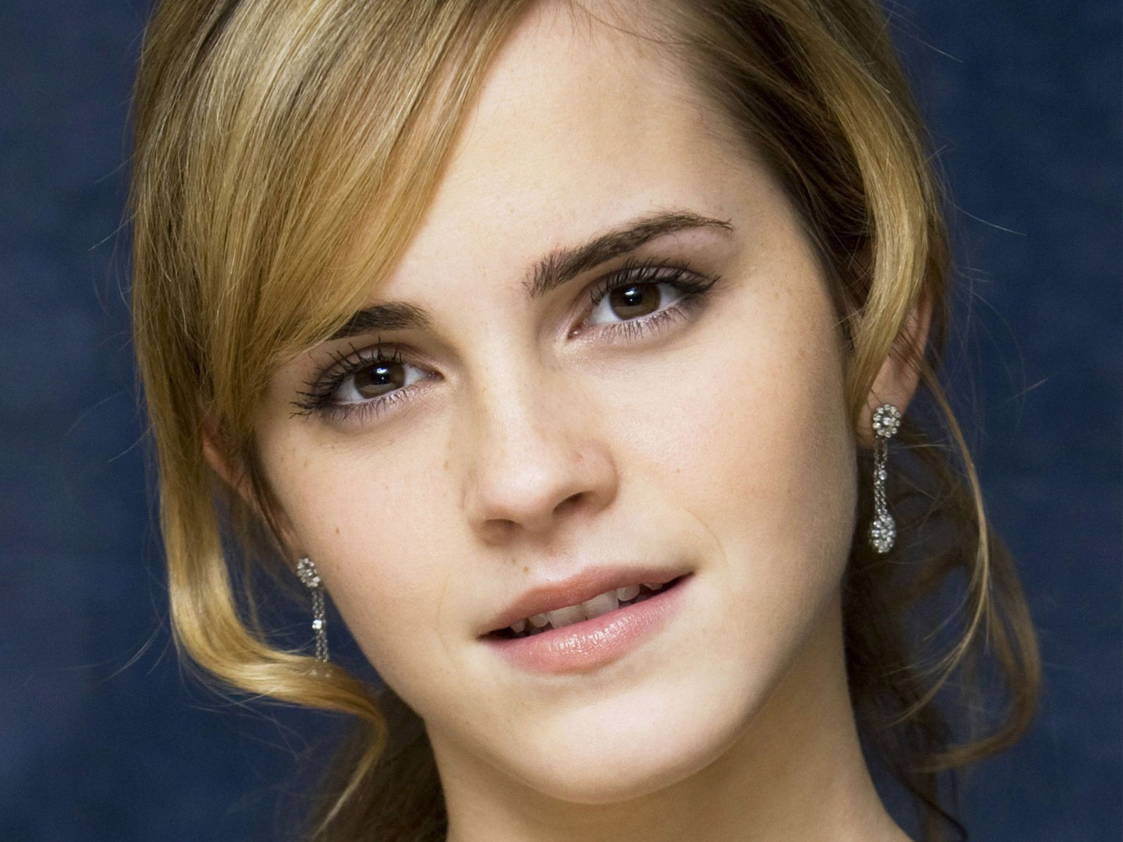 Emma Watson Very Close Beautiful HD