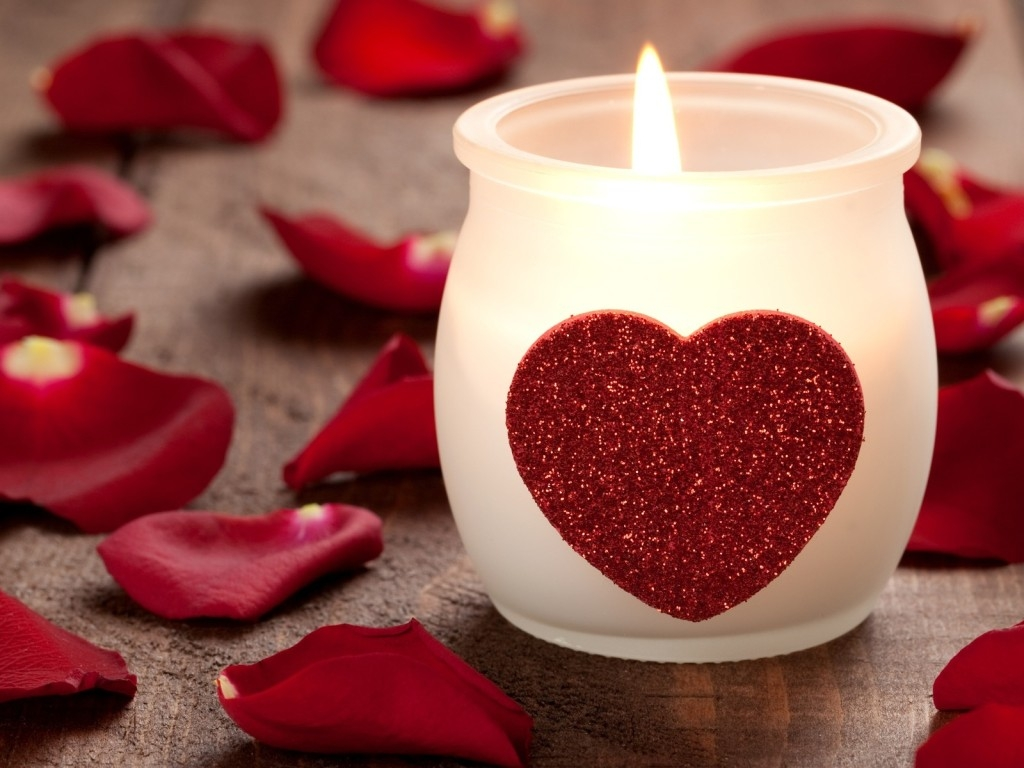 Images Of Love, Candle, Heart, Petals 232.02 Kb