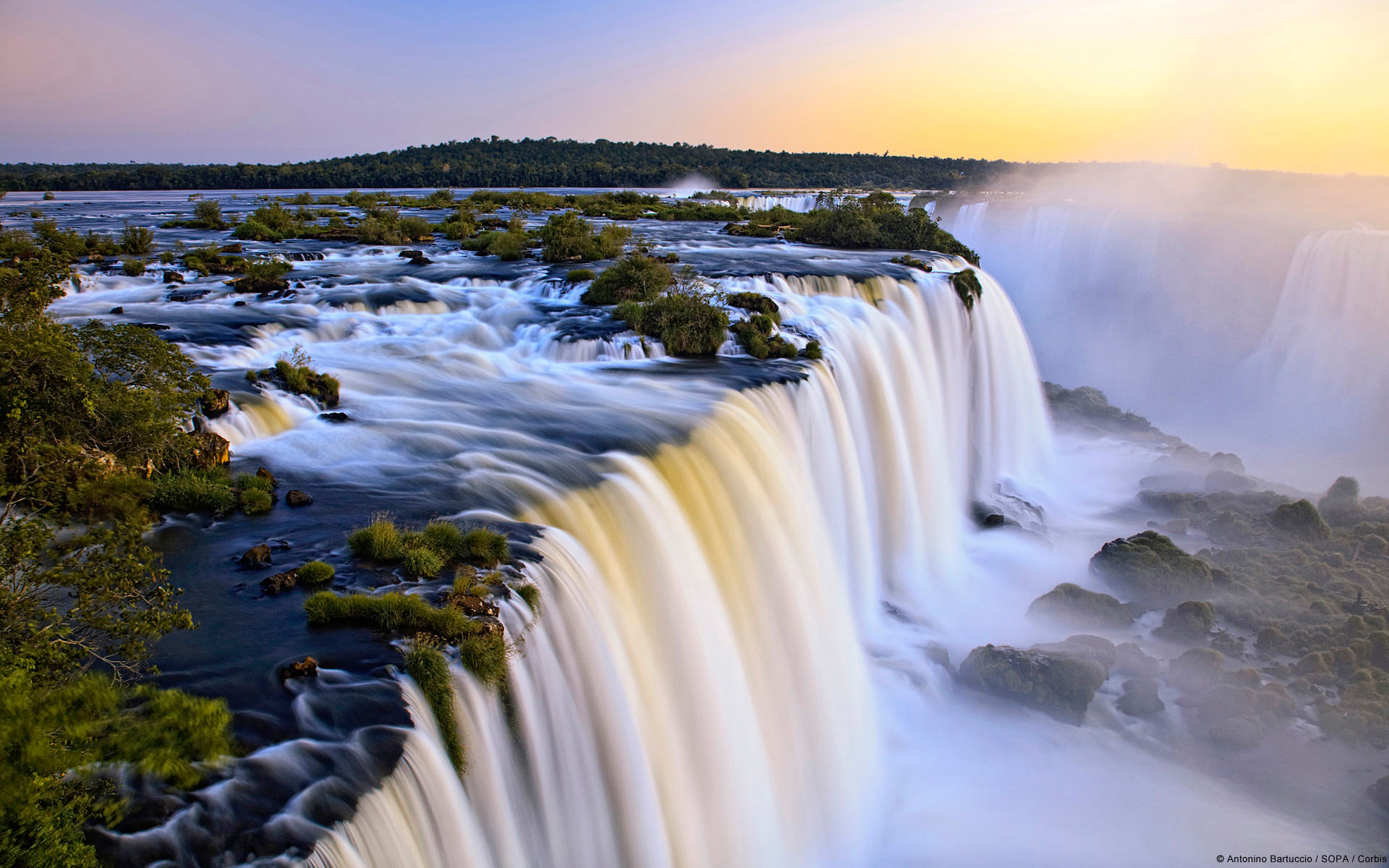 Argentina Great Waterfalls 1742.57 Kb