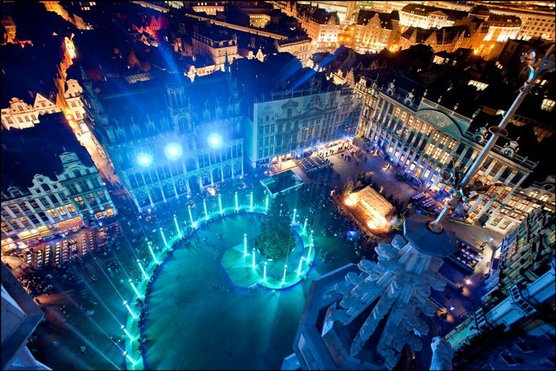 Night Square in Belgium 1118.11 Kb
