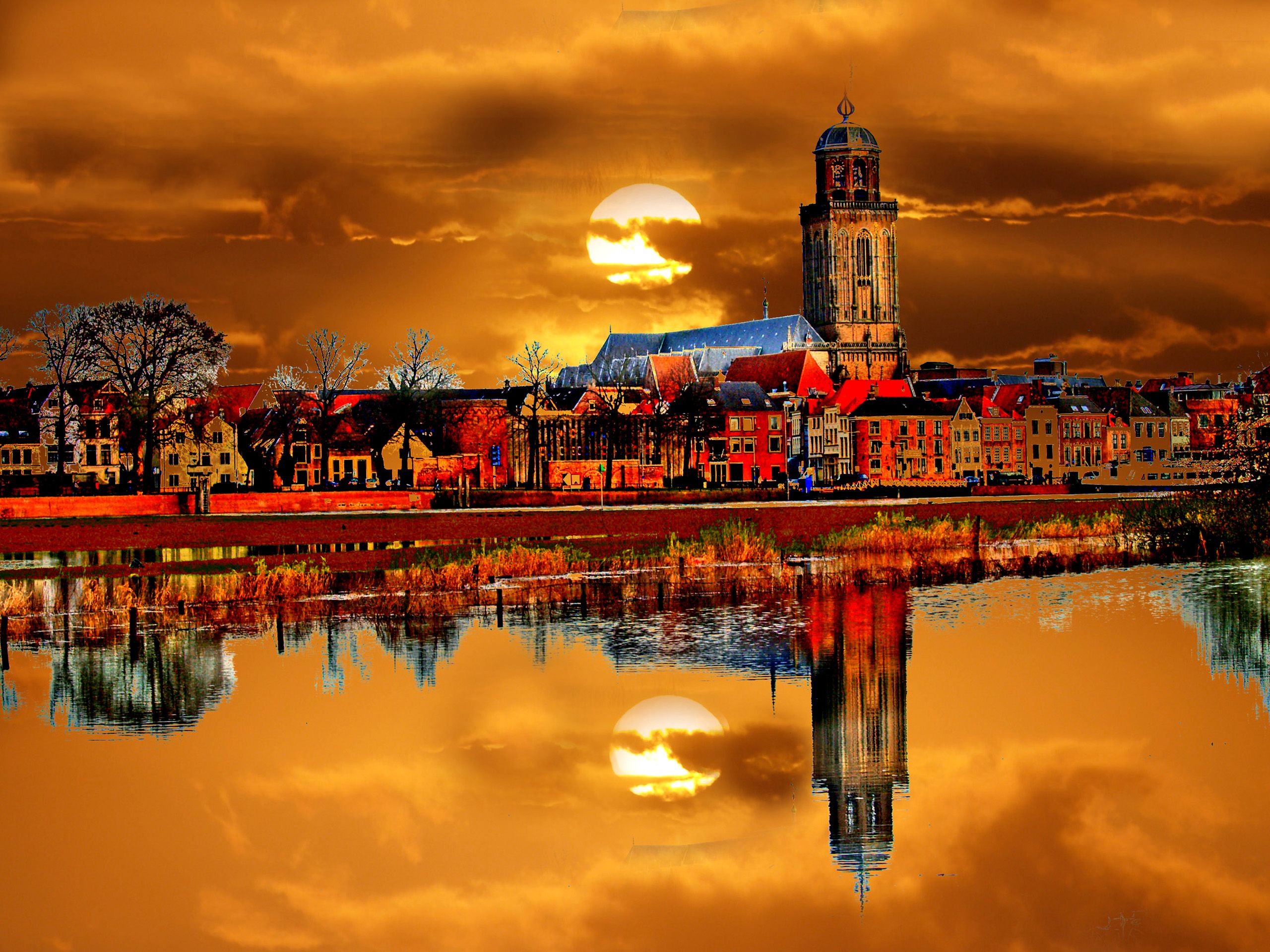City Reflection in the Netherlands 1573.88 Kb