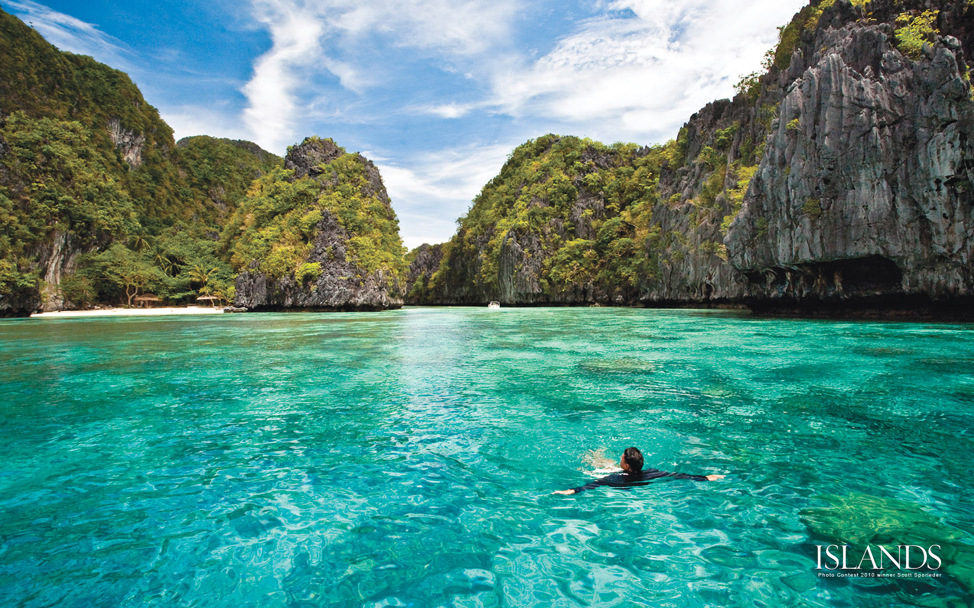 Transparent Waters in Philippines 420.21 Kb
