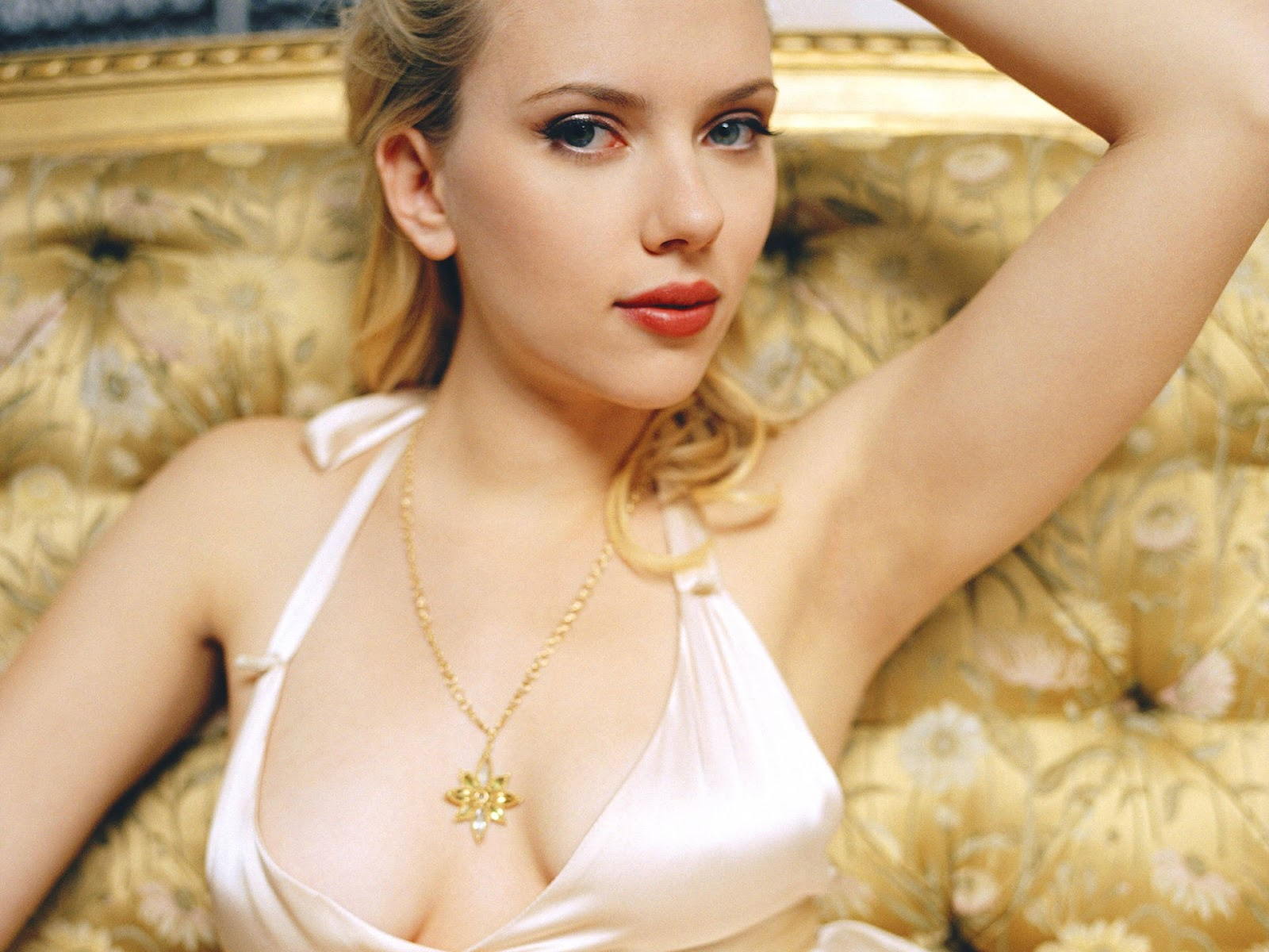 Scarlett Johansson Low Neck Dress