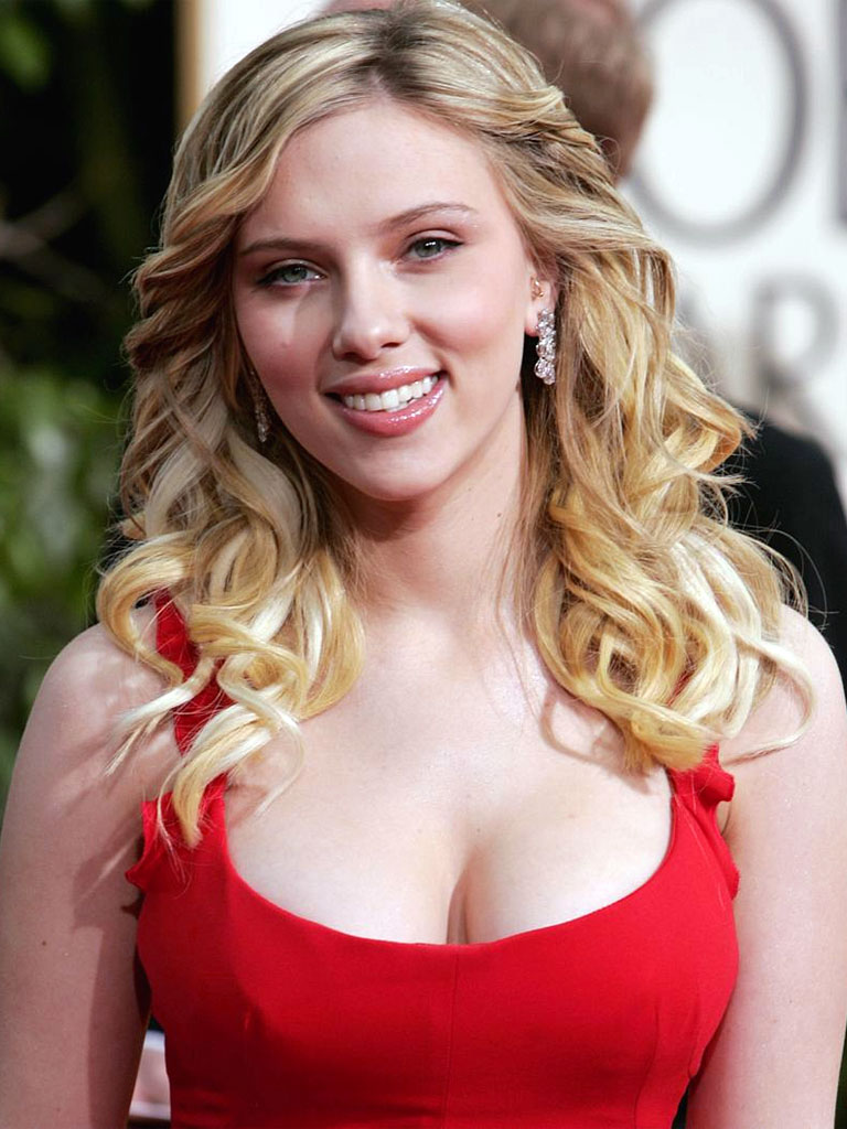 Scarlett Johansson, Lady in Red