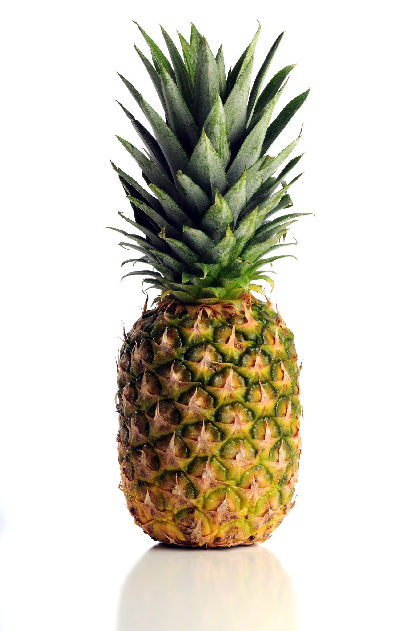 how to tell if a pineapple is sweet