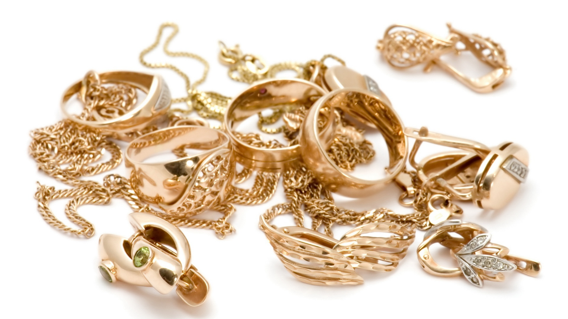 Bunch of Golden Jewelry 4760.82 Kb