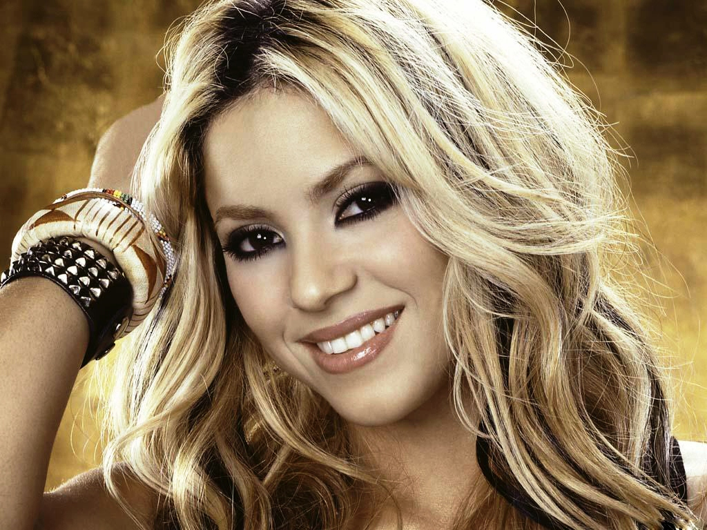 Shakira Dancer and Record Producer 1039.38 Kb