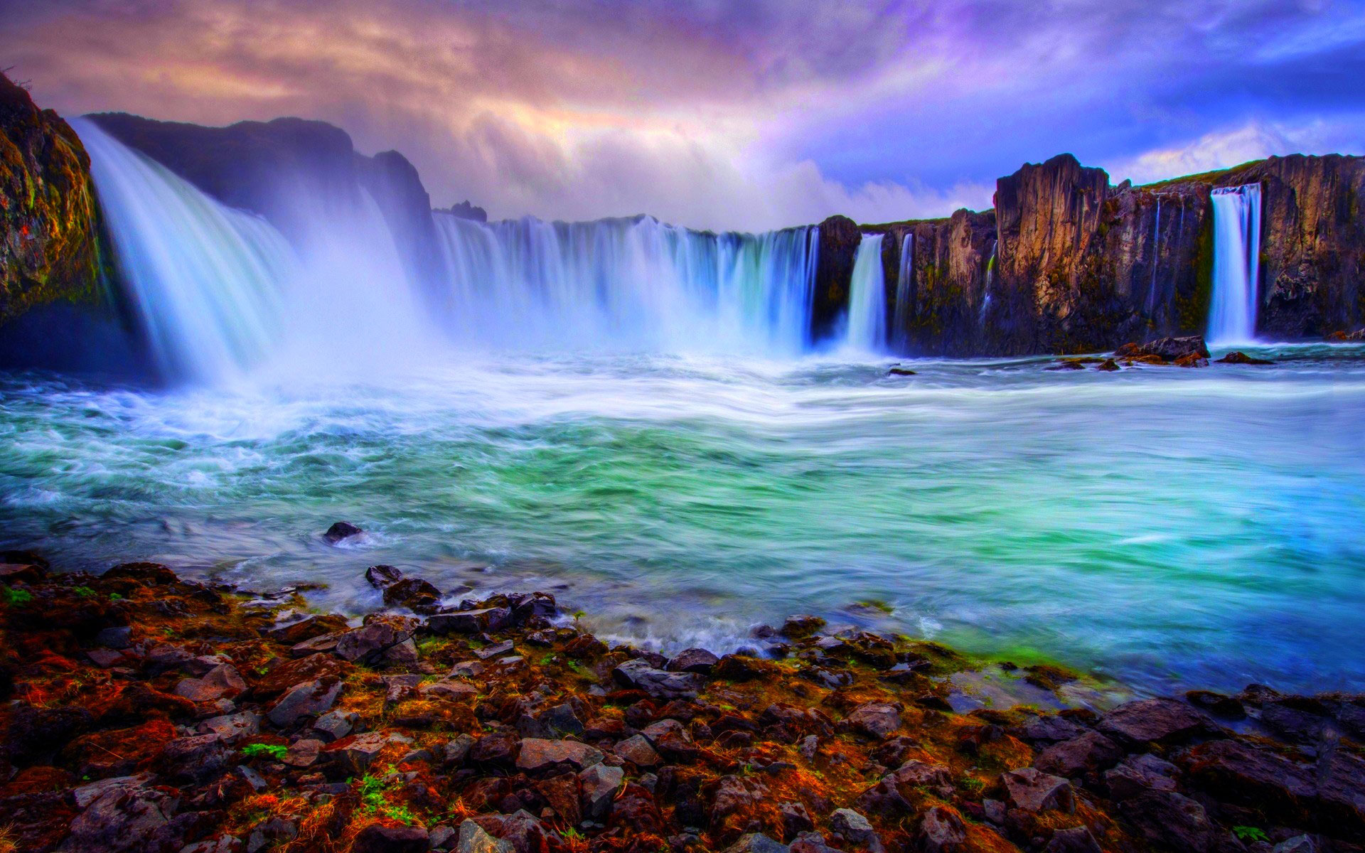 Waterfall Paradise Landscape 1007.41 Kb
