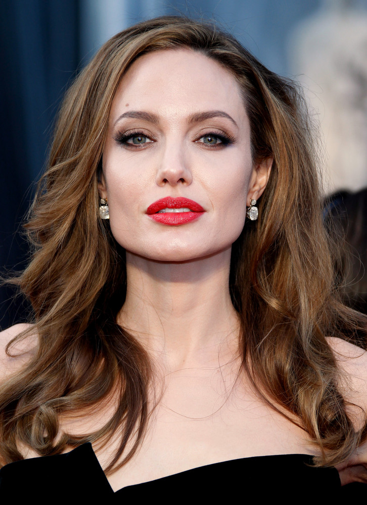 Angelina Jolie at Film Awards 156.96 Kb