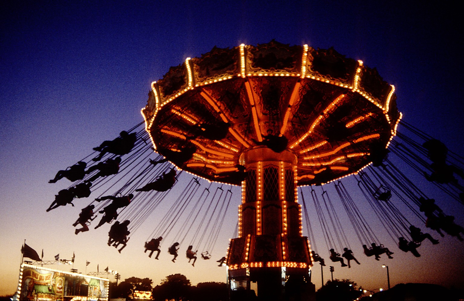 Carnival Attractions, Night Lights 300.33 Kb