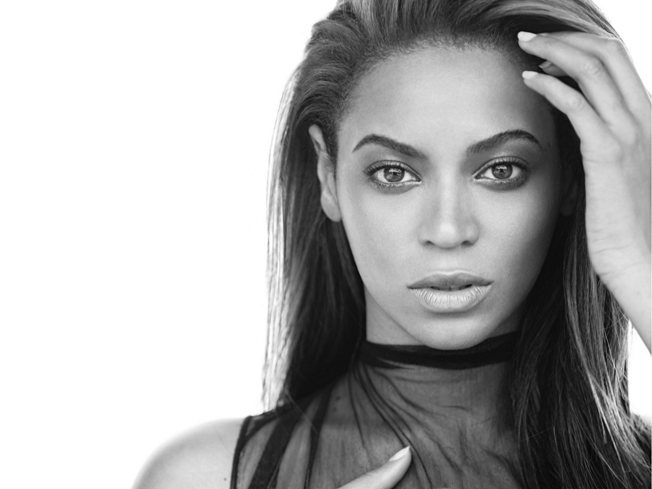 Beyonce Black and White Photoshoot 209.37 Kb