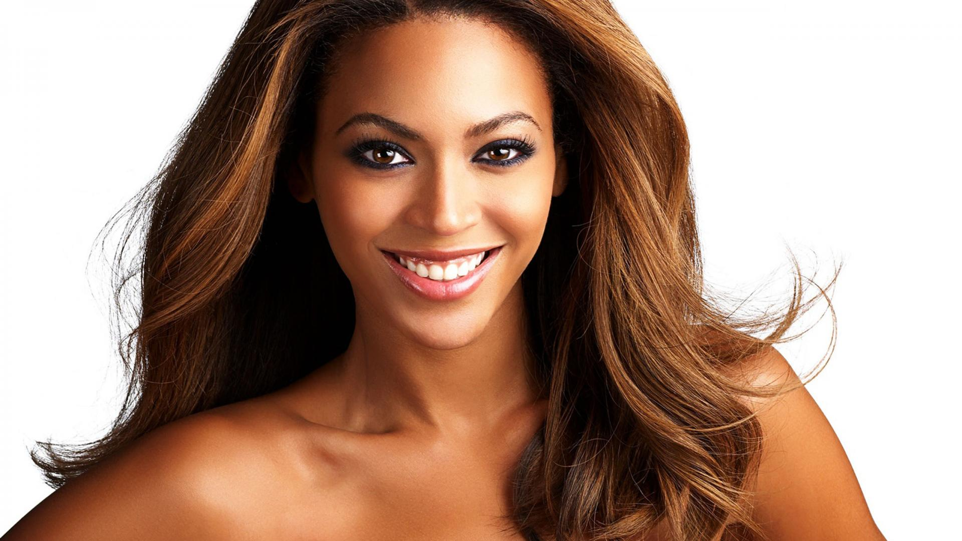 Beautiful Beyonce Smiling