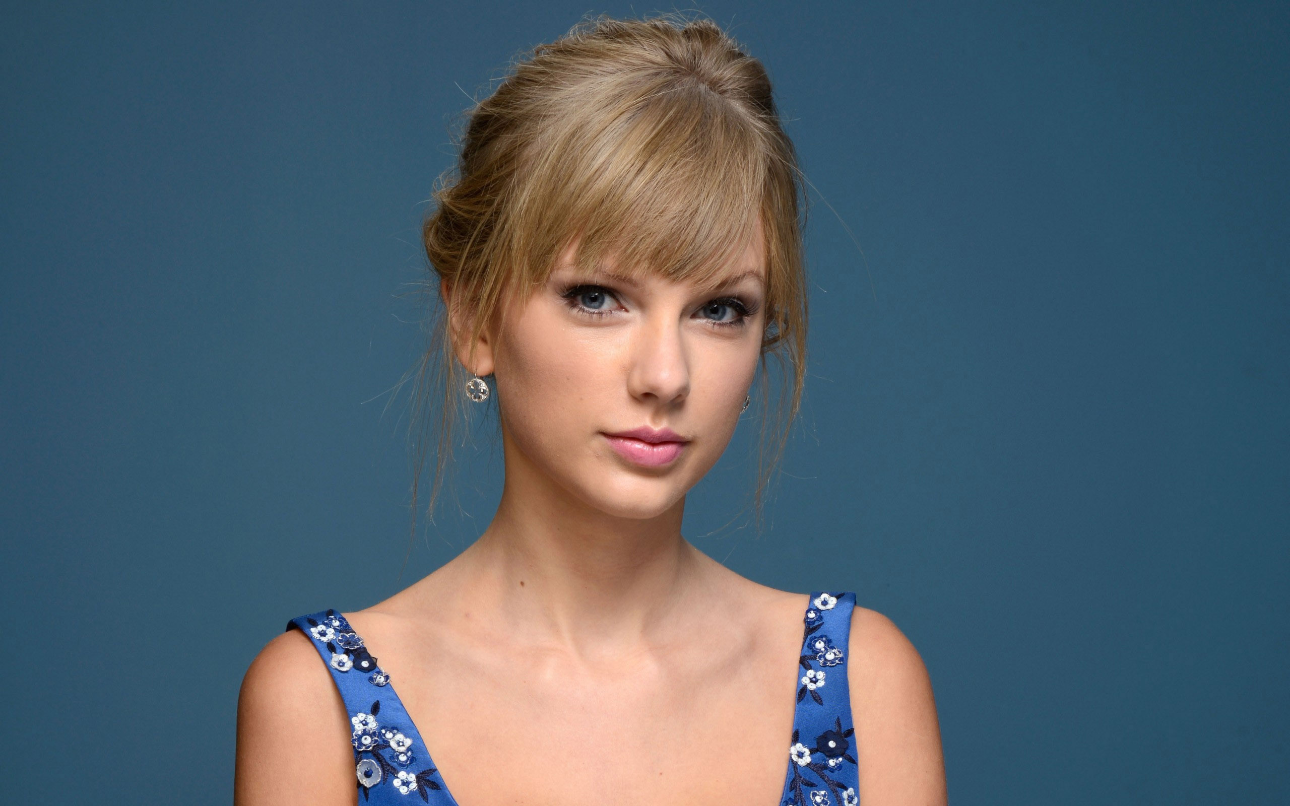 Taylor Swift Classic Look 216.43 Kb