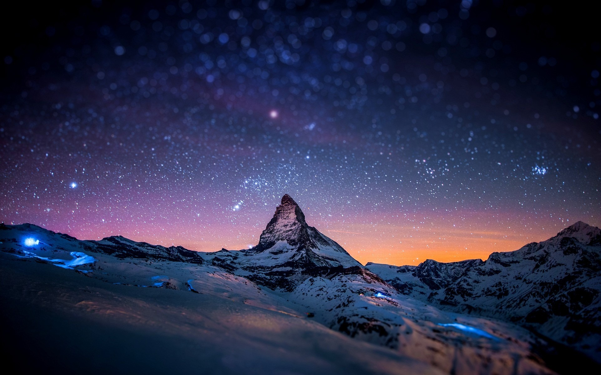 Night Sky over Snowy Mountains 353.03 Kb