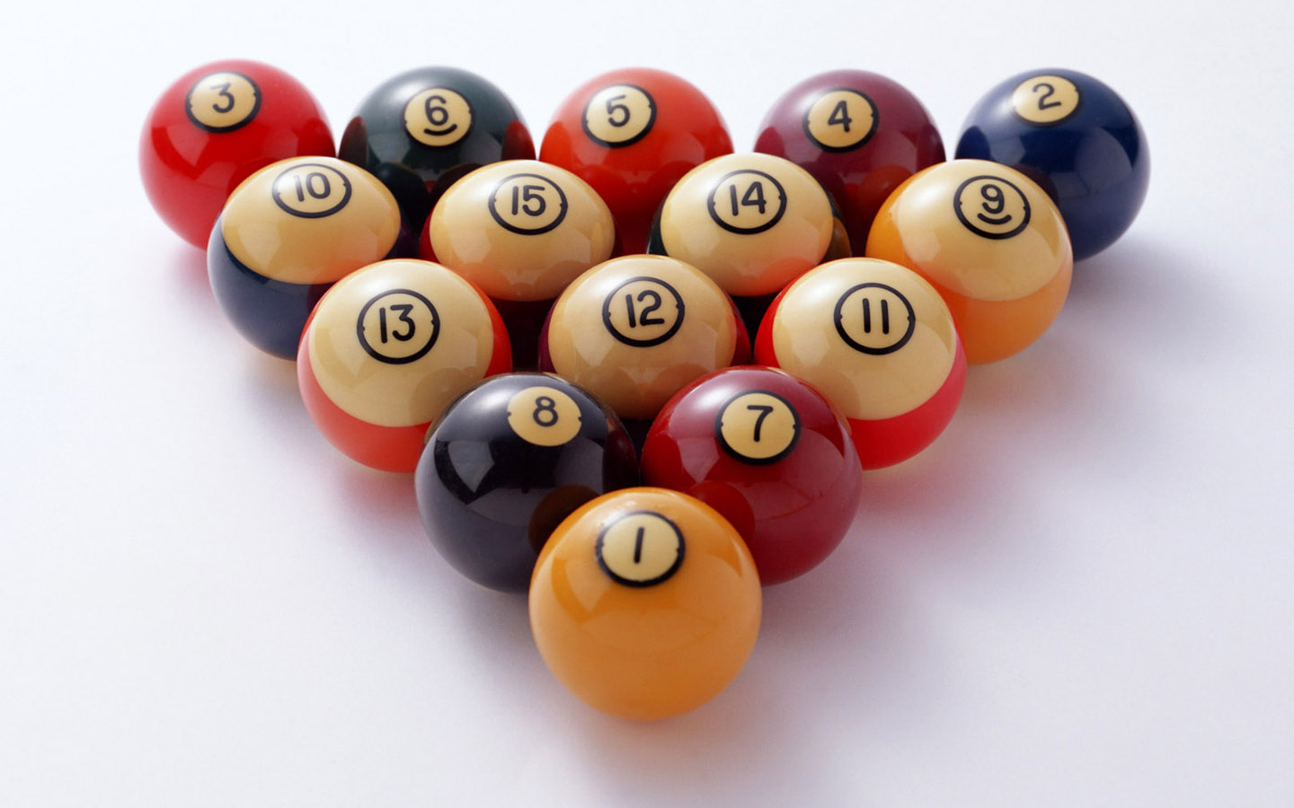Billiards Balls in a Triangle 762 Kb