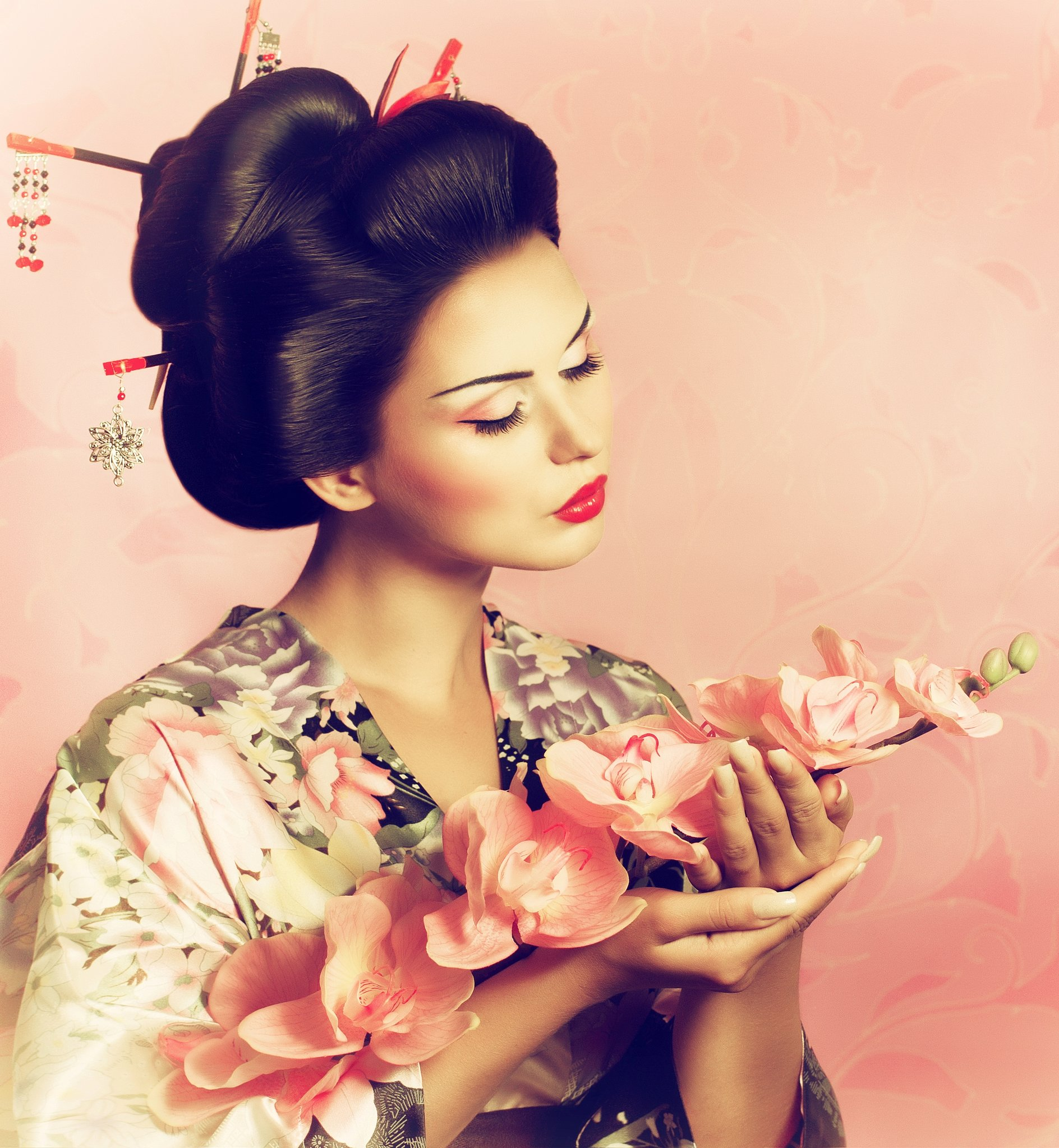 Beautiful Geisha Image 707.25 Kb