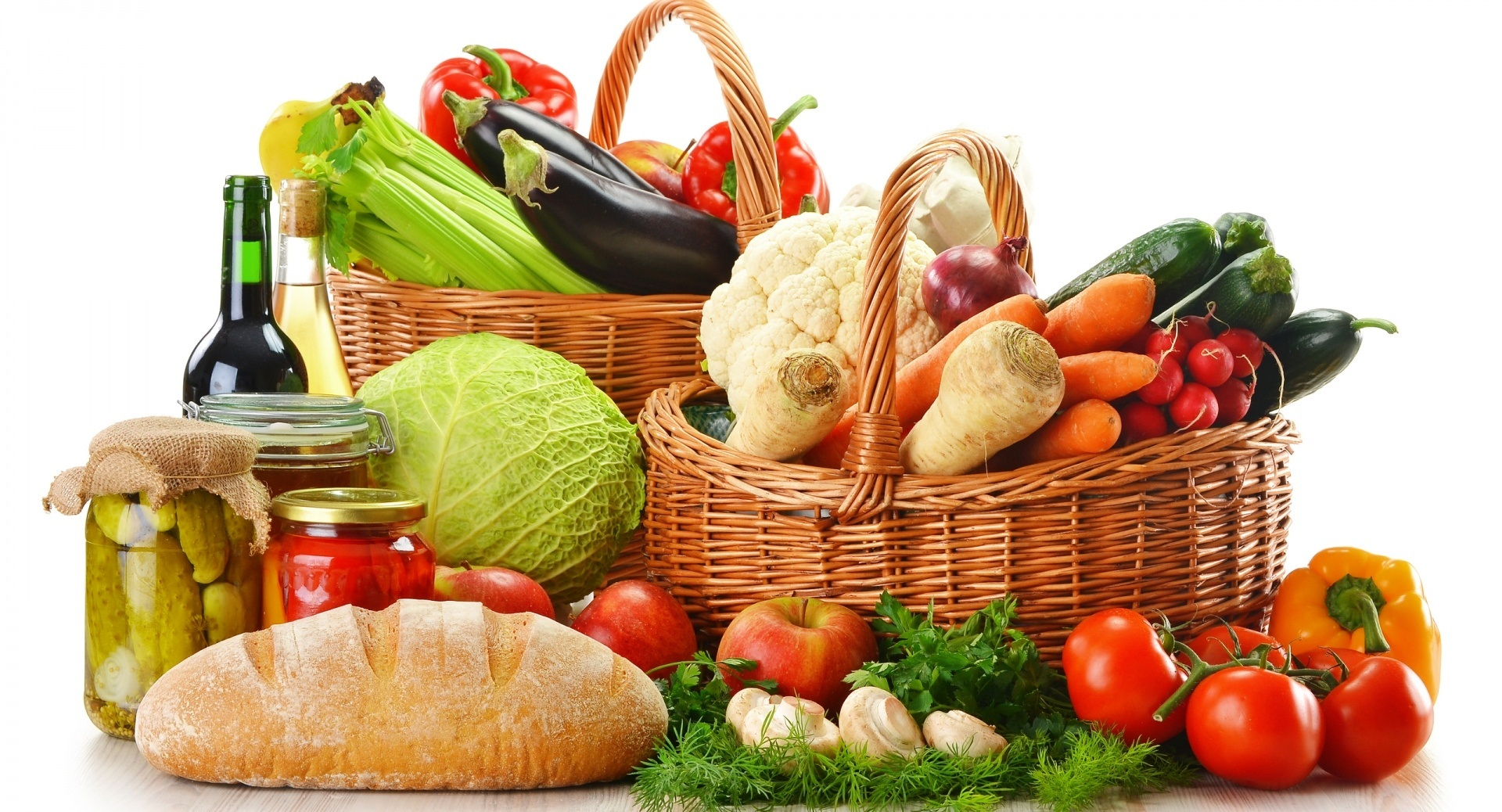 Healthy Food in the Baskets 399.82 Kb