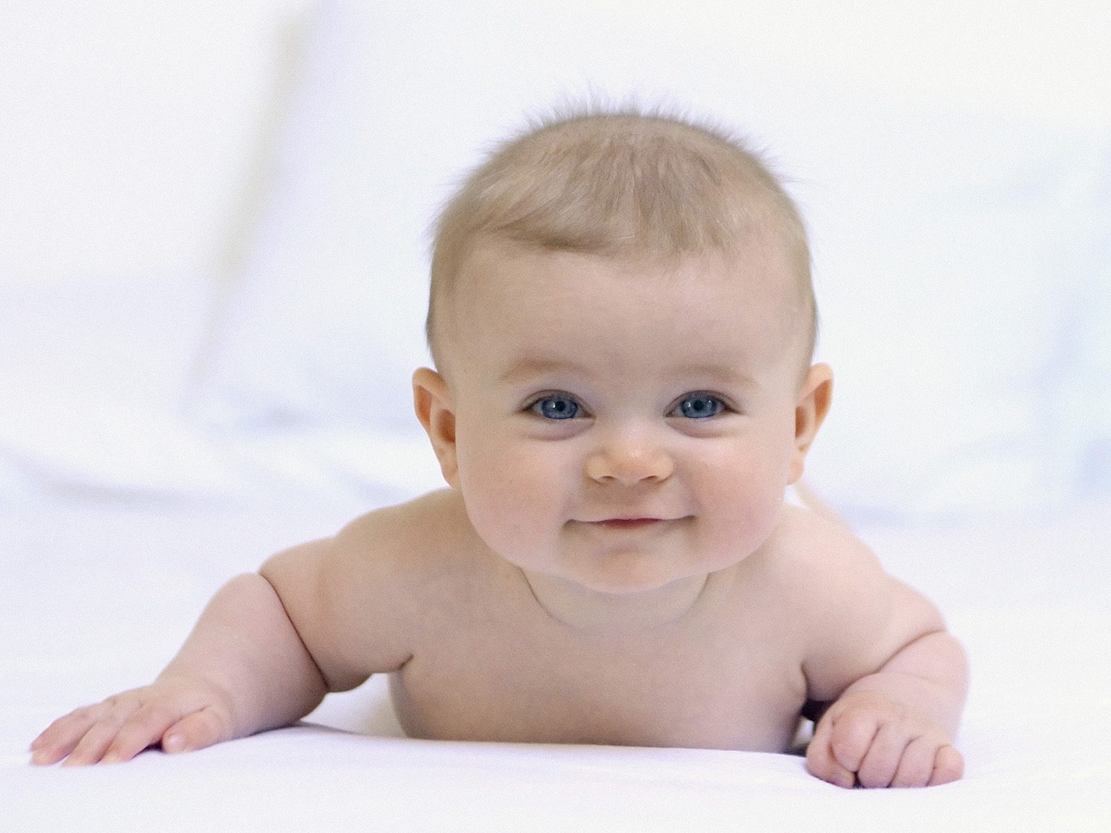 Baby with Short Hair 1750.28 Kb
