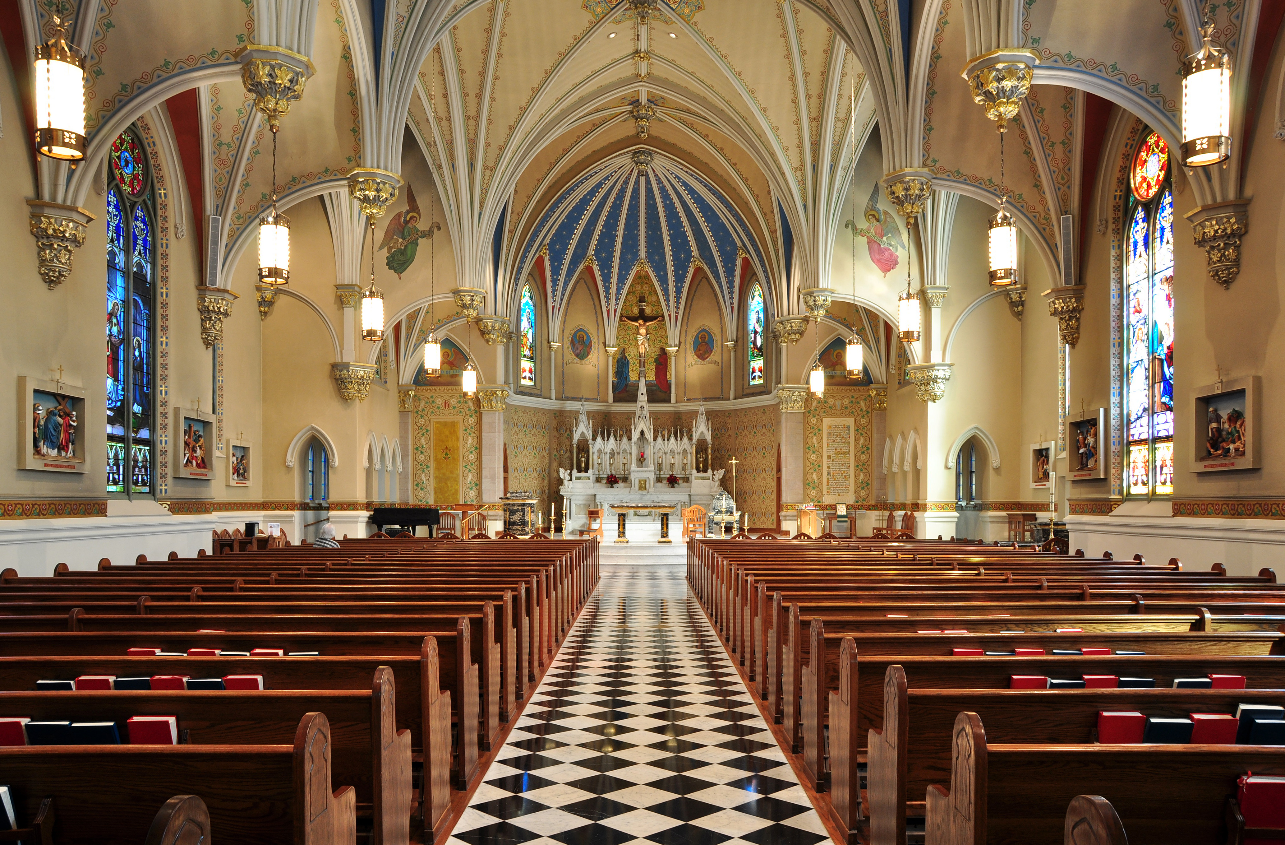Church Interior Design 665.36 Kb