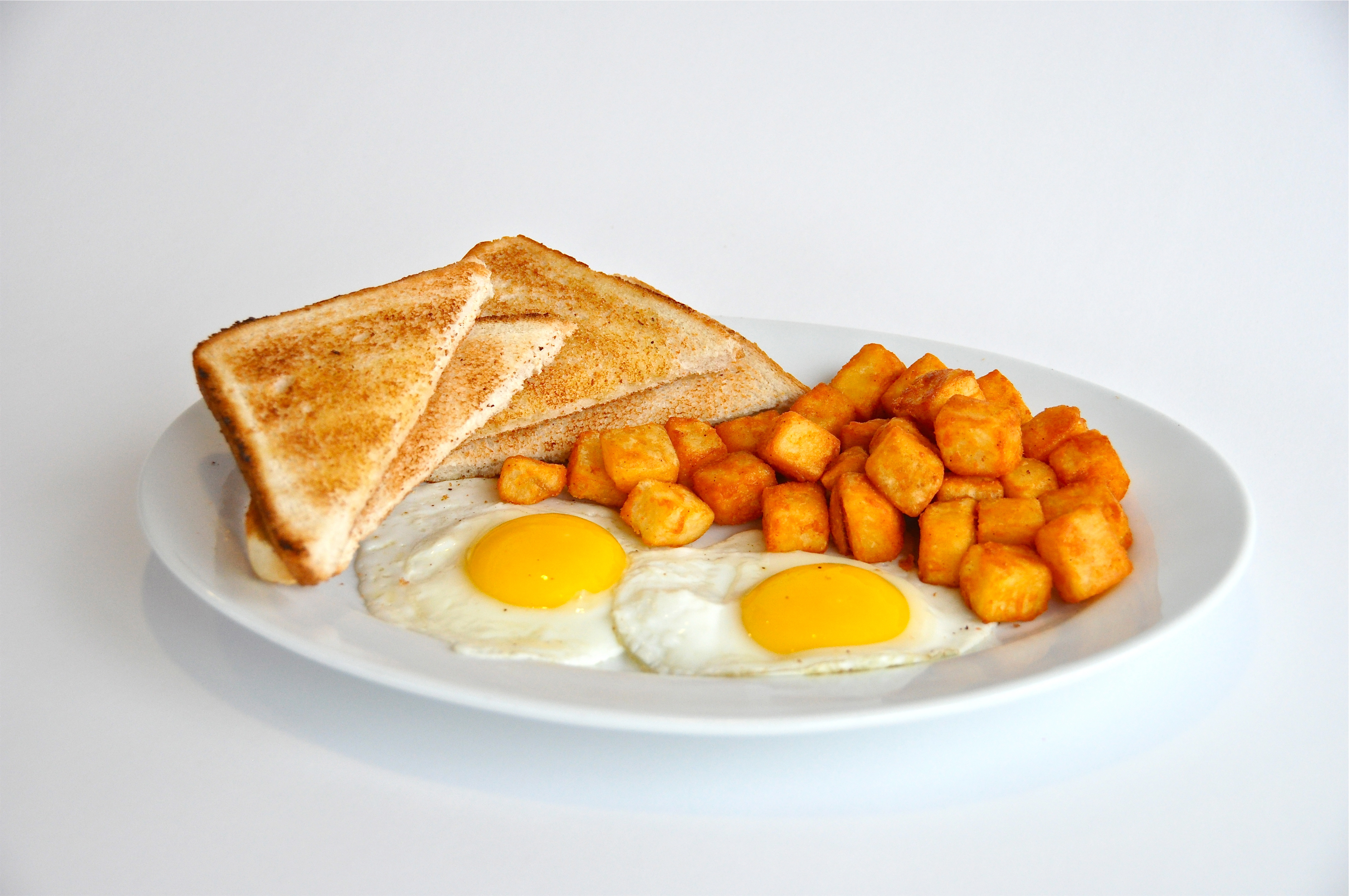 Breakfast Toasts with Hash Browns and Eggs 7456.6 Kb