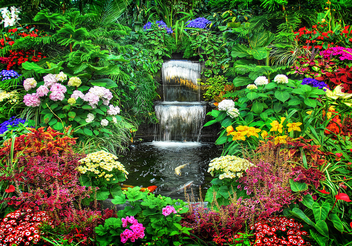 Garden Flowers Decoration and Tiny Waterfall 2235.2 Kb