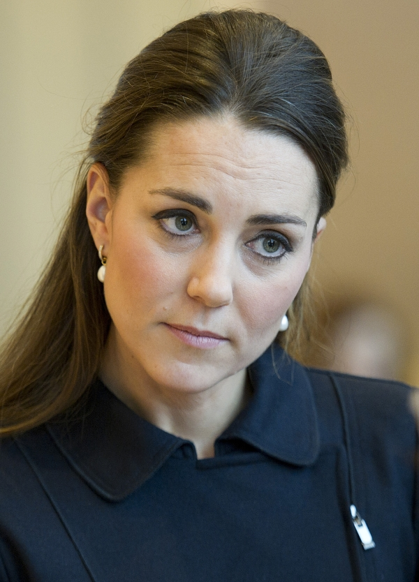 Serious Kate Middleton 4248644 600x834 All For Desktop