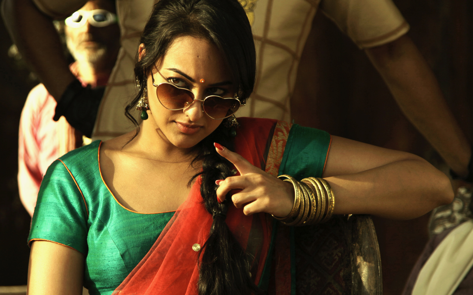 Sonakshi Sinha in Joker 1063.87 Kb