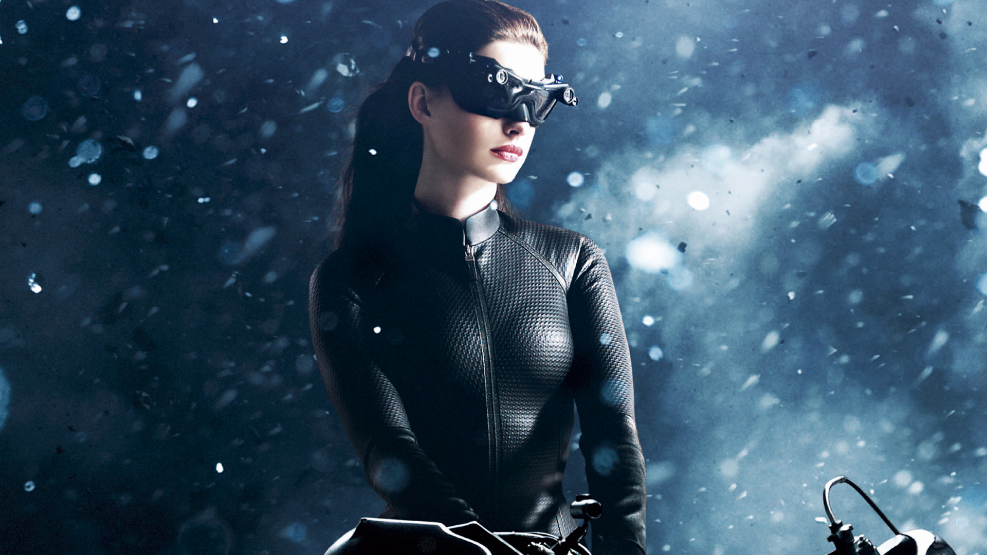 Catwoman Anne Hathaway 2304.98 Kb