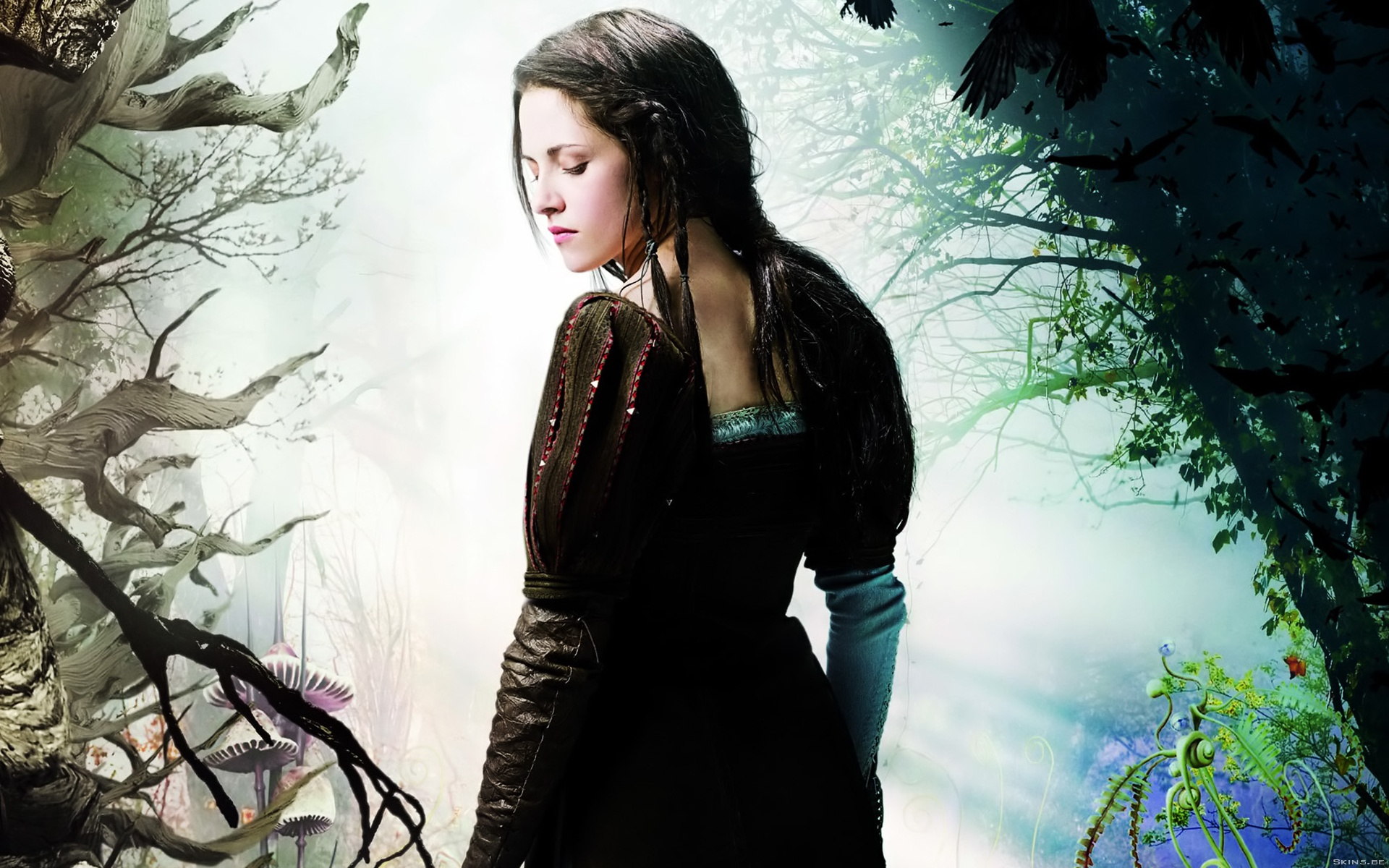 Kristen Stewart in Snow White and the Huntsman