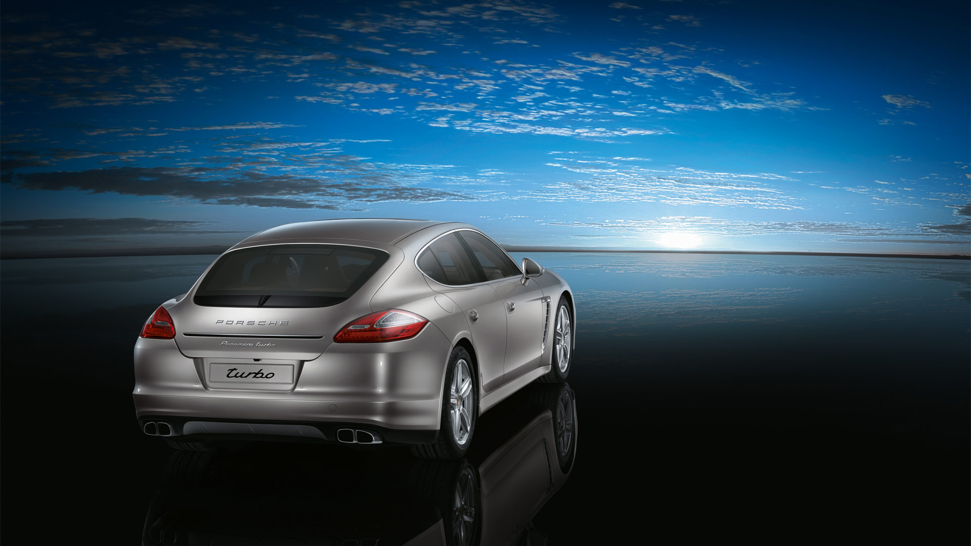 Porsche Panamera Turbo 2 594.24 Kb