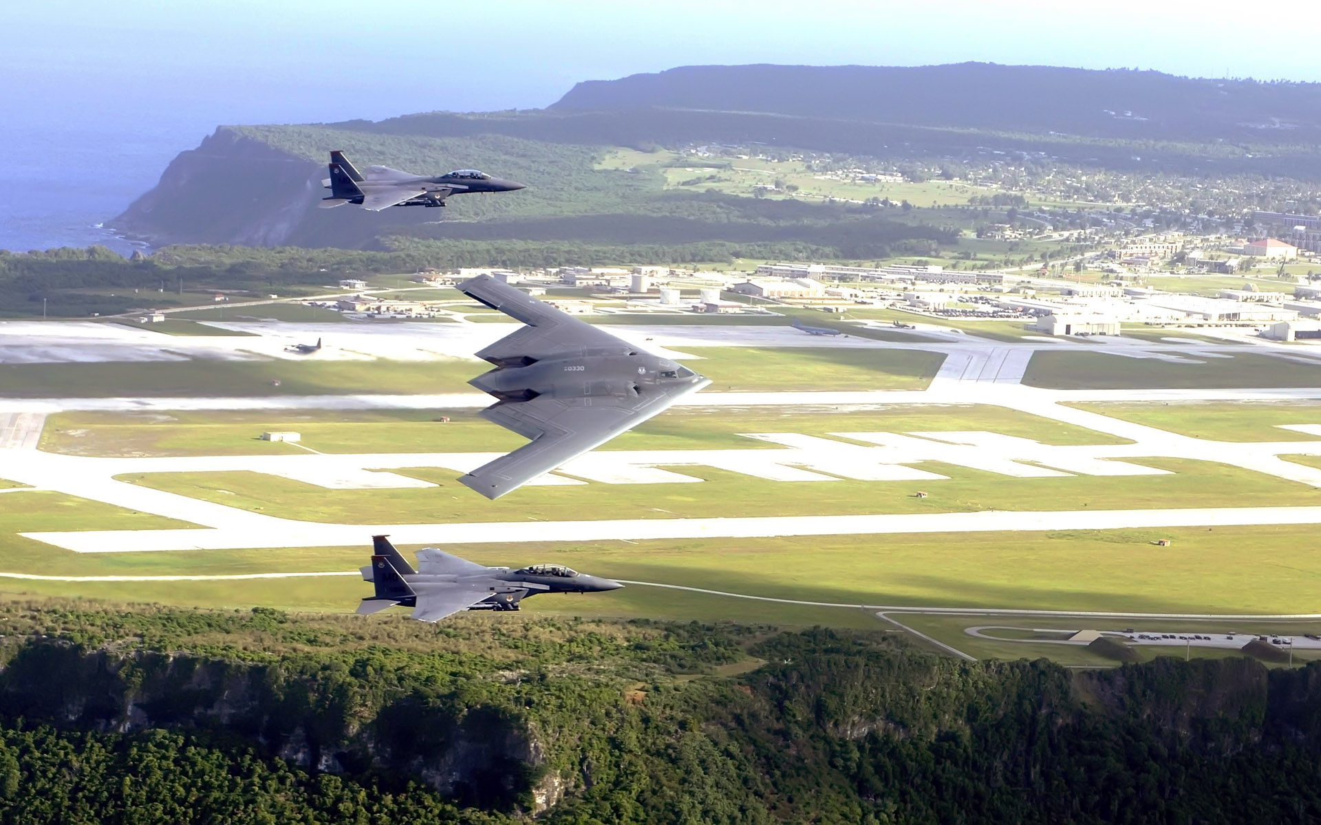 F 15E Strike Eagles & B 2 Spirit Bomber