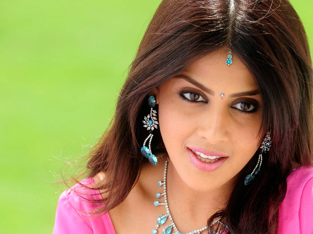 Genelia lovely 206.31 Kb