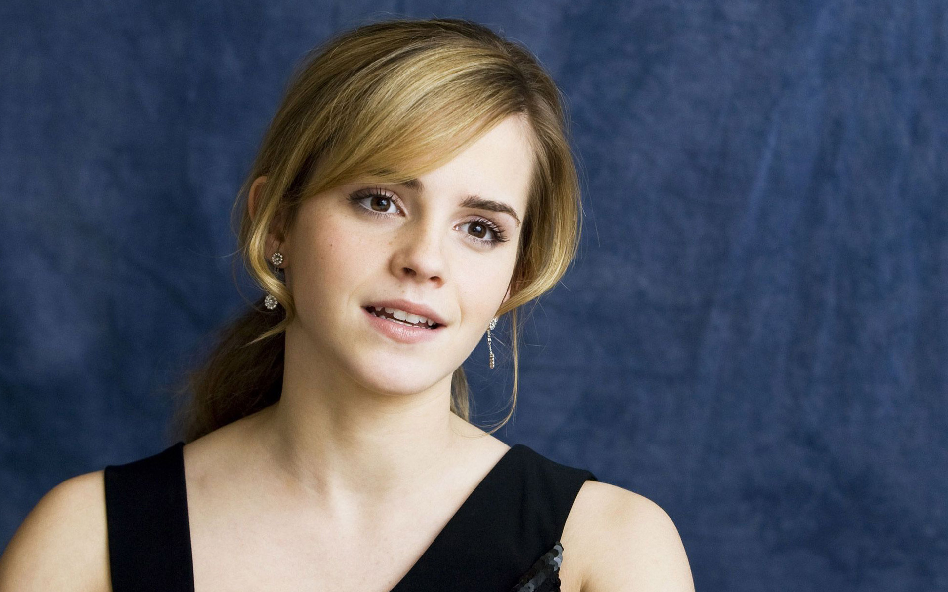 Emma Watson at Tale of Despereaux Wide Screen