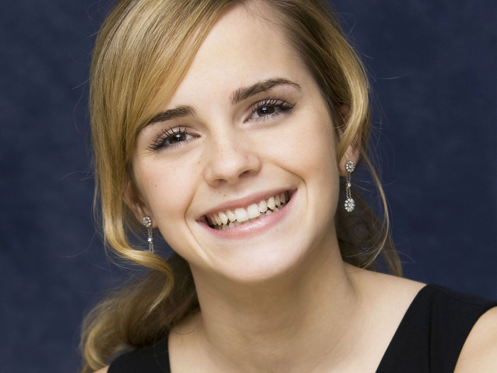 Emma Watson Beautiful Smile High Quality