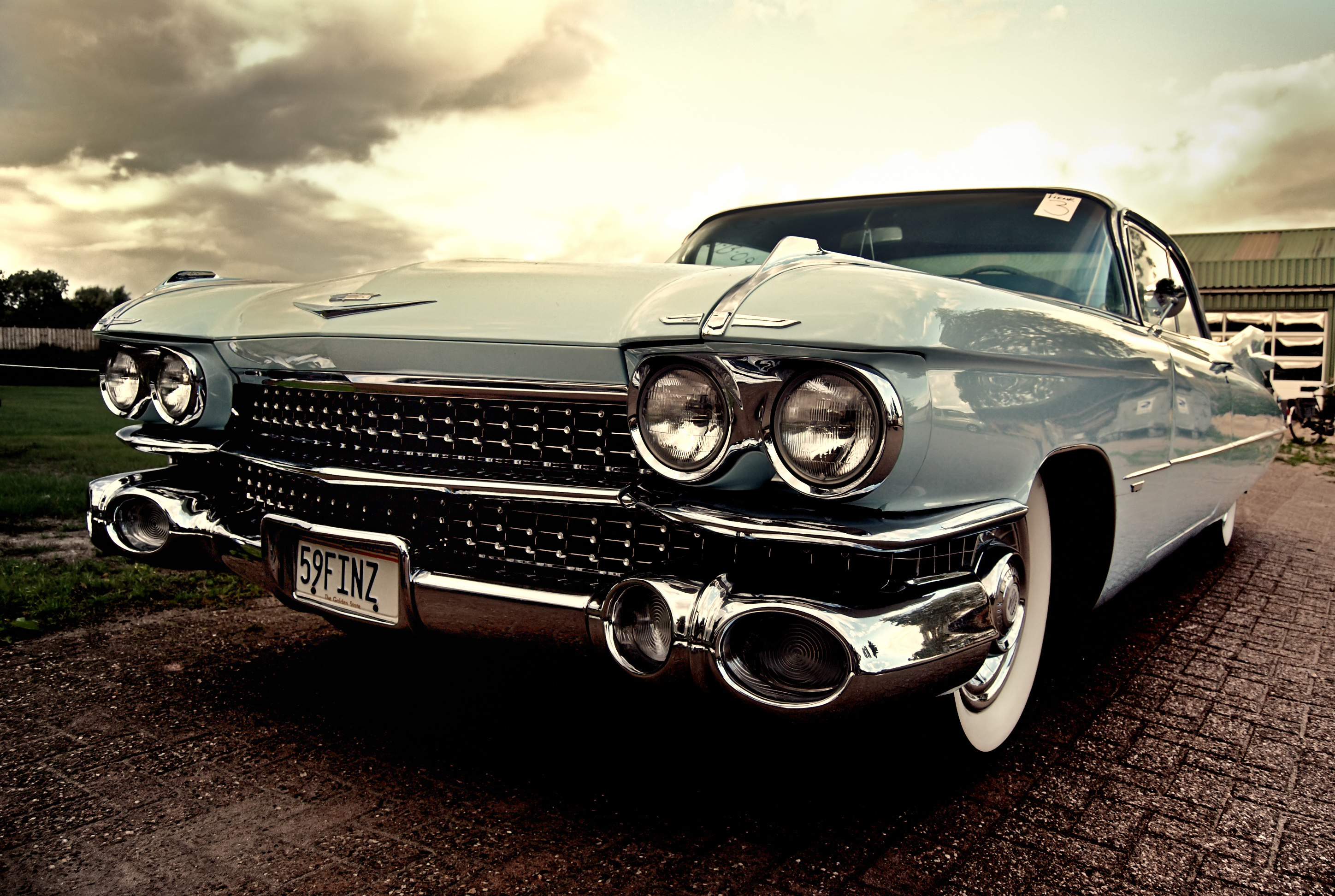 Blue Cadillac Front View 128.4 Kb