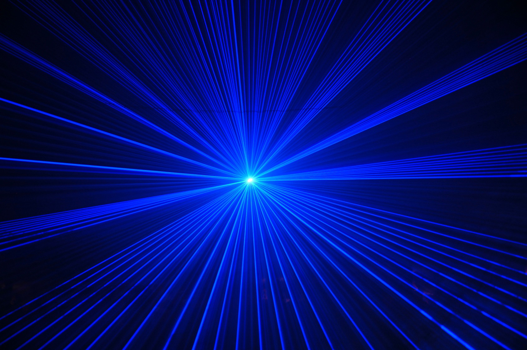 Blue Laser Wallpaper 650.32 Kb