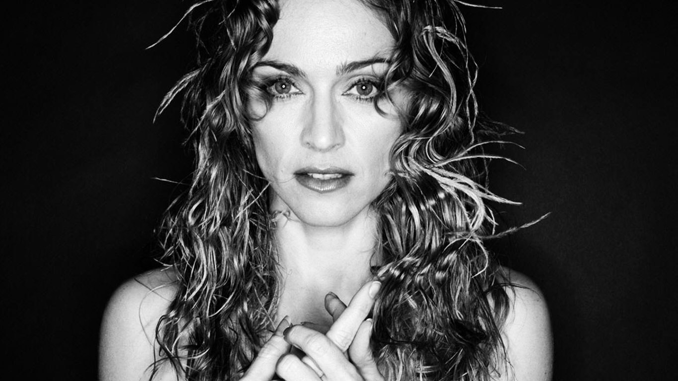 Madonna Black and White Photoshoot 169.6 Kb