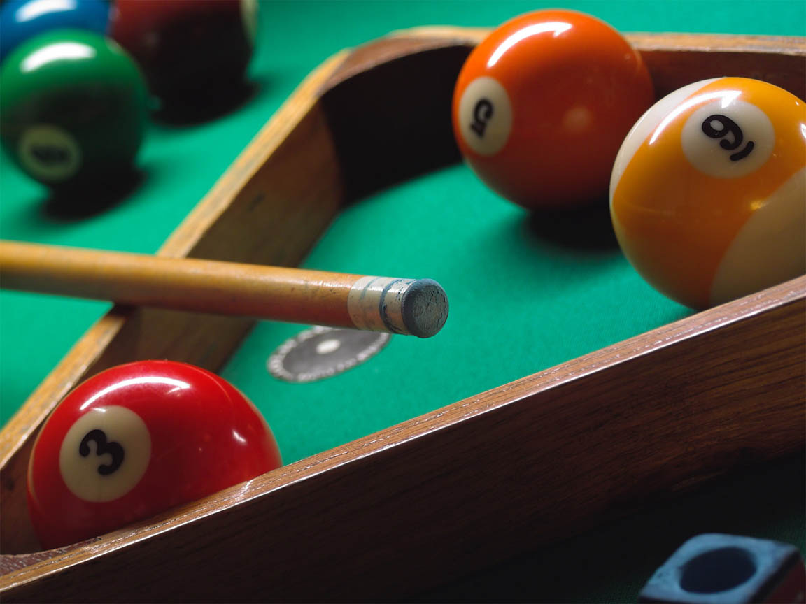 Billiards Cue and Balls 129.88 Kb