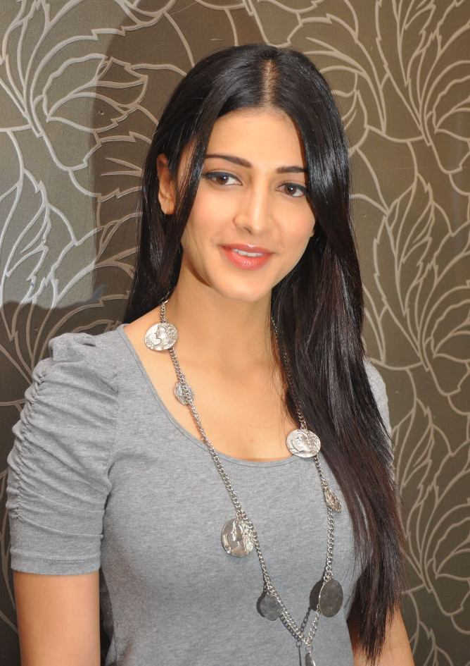Shruti Haasan Singer and Musician