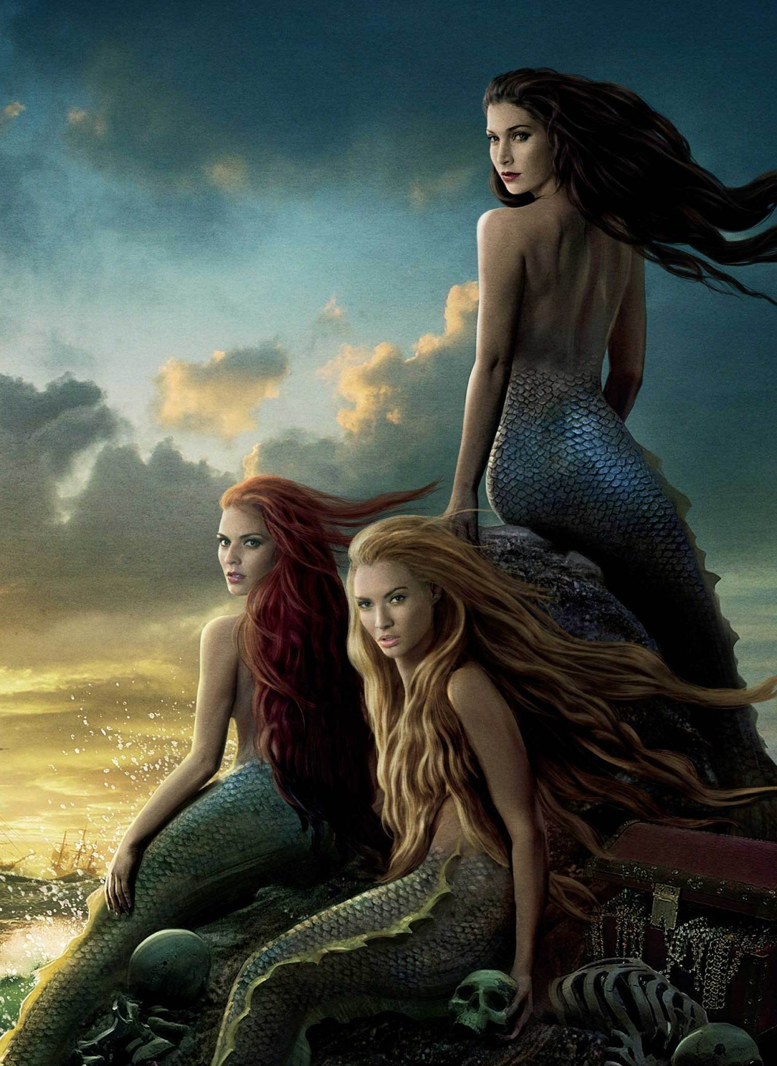 Mermaids with Scale Tails 730.22 Kb